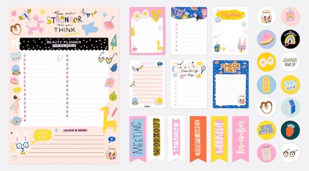 Verzameling van wekelijkse of dagelijkse planner, notitiepapier, takenlijst, stickersjablonen versierd met schattige kinderillustraties en inspirerende citaten. schoolplanner en organisator.