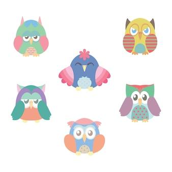 Verzameling van zes kleurrijke uilen