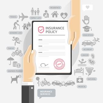 Verzekeringspolissen. handen geven verzekeringsdocumentpapier.