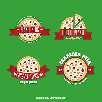 Vier logo's voor pizza op een groene achtergrond
