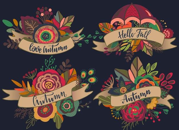 Vier vector herfst boeketten met linten, belettering zinnen. herfst composities voor wenskaart, uitnodiging, poster met mooie heldere bladeren, bloemen, takken, bessen.