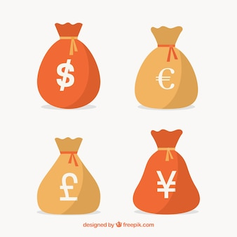 Vier zakken geld met verschillende valuta's