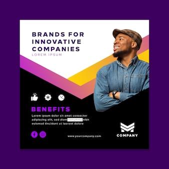 Vierkante flyer-sjabloon voor innovatieve bedrijven