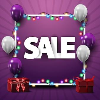Vierkante sjabloon voor kortingsbanner met frame, witte en paarse ballonnen en geschenken