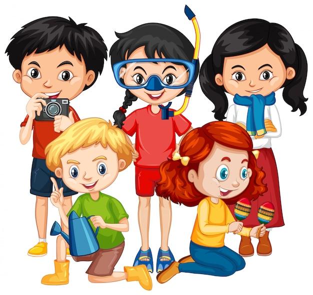 Vijf kinderen in verschillende kostuums