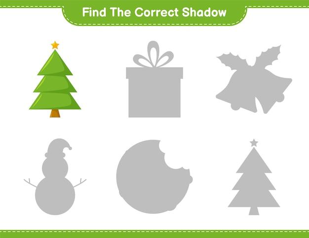 Vind de juiste schaduw. zoek en match de juiste schaduw van de kerstboom. educatief kinderspel