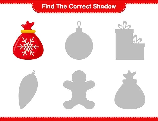 Vind de juiste schaduw. zoek en match de juiste schaduw van santa claus bag. educatief kinderspel