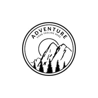 Vintage badge avontuur logo