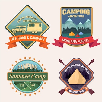Vintage badges kamperen en avonturen instellen