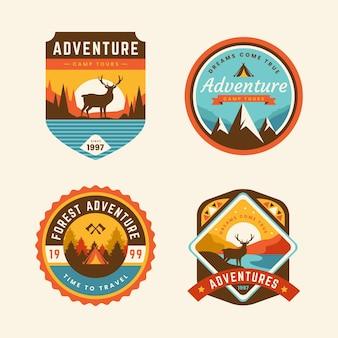 Vintage badges voor kamperen en avonturen Premium Vector