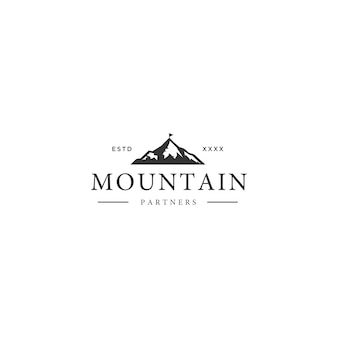 Vintage berg logo ontwerp
