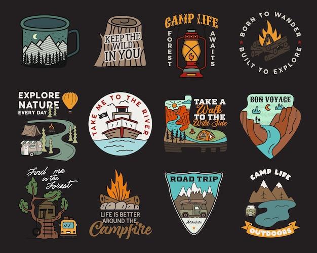 Vintage bergkamp badges logo's set, adventure patches. handgetekende stickers ontwerpen bundel. reisexpeditie, labels voor backpacken. outdoor wandelen emblemen. logo's collectie. voorraad vector.
