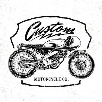 Vintage custom motorfiets met klassieke helm