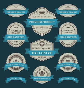 Vintage geometrische etiketten. oud papier in blauw lint beste prijs handgemaakte ornament.