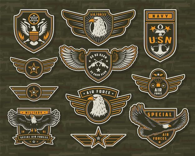 Vintage insignes en insignes van de strijdkrachten