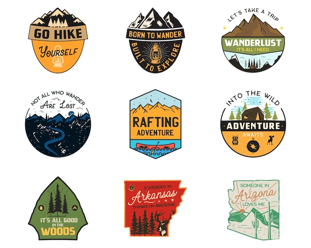 Vintage kamplogo's, badges in bergkleuren.
