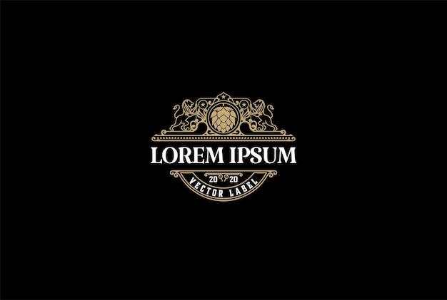 Vintage luxe hop lion crest voor craft beer brewing brewery logo design vector