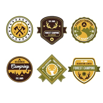 Vintage outdoor camp-badges en logo-emblemen