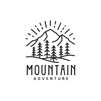 Vintage retro zonsopgang bergbos natuur hipster pine evergreen tree outdoor adventure-logo