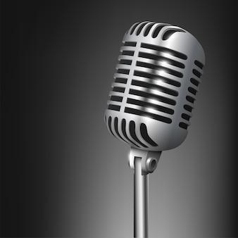 Vintage studio microfoon geïsoleerd
