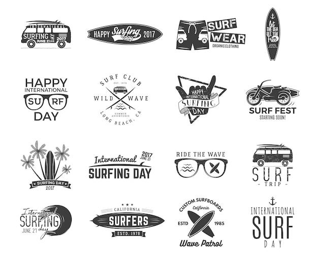Vintage surfen graphics en emblemen instellen voor webdesign of print. surfer, strandstijl logo-ontwerp. surf-badge. surfplankzegel, elementen, symbolen. zomer instappen op golven. vector hipster insignes.