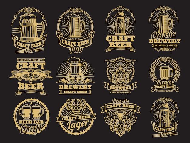 Vintage vector bieretiketten op zwart