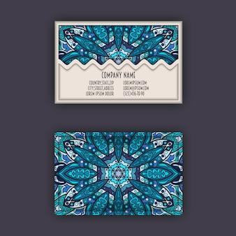 Vintage visitekaartje set. bloemenmandalapatroon en ornamenten