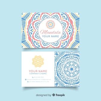 Visitekaartje met mandala ontwerp