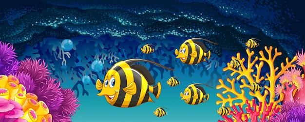 Vissen die onder de oceaan zwemmen