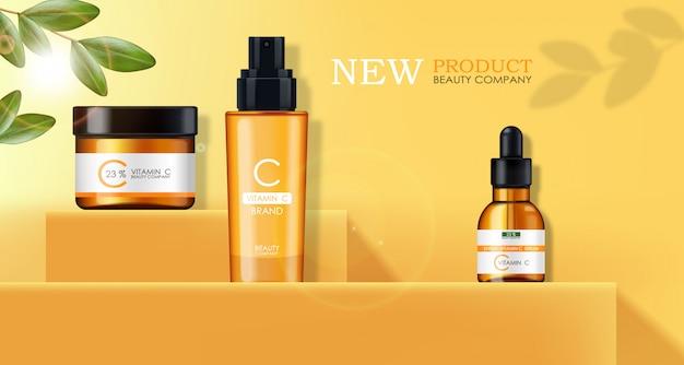 Vitamine c-masker, crème en serum, schoonheidsbedrijf, huidverzorgingsfles, realistische verpakking en verse citrus, behandelingsessentie, schoonheidscosmetica, gele achtergrond