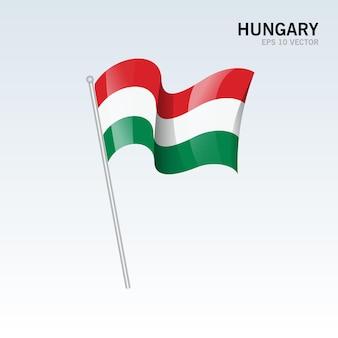 Vlag van hongarije zwaaien geïsoleerd op grijs