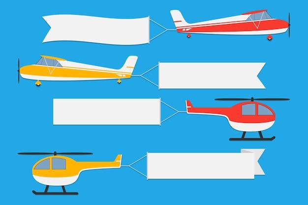 Vliegende vliegtuigen en helikopters met banners set van reclamelinten op blauwe achtergrond