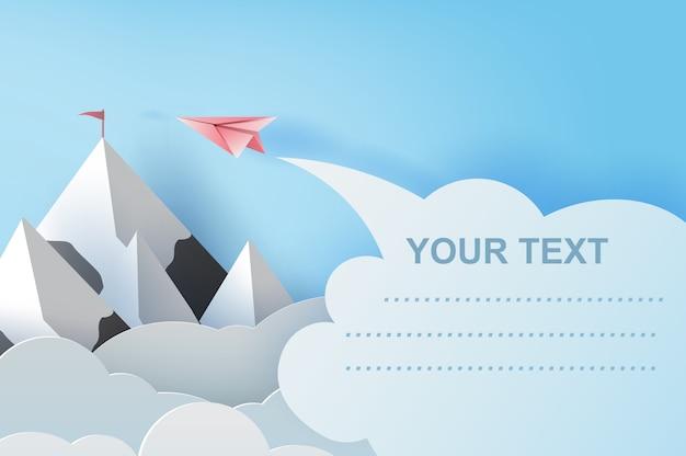 Vliegtuigen die boven bergen vliegen. copyspace