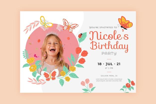 Vlinder verjaardagsuitnodiging sjabloon met foto