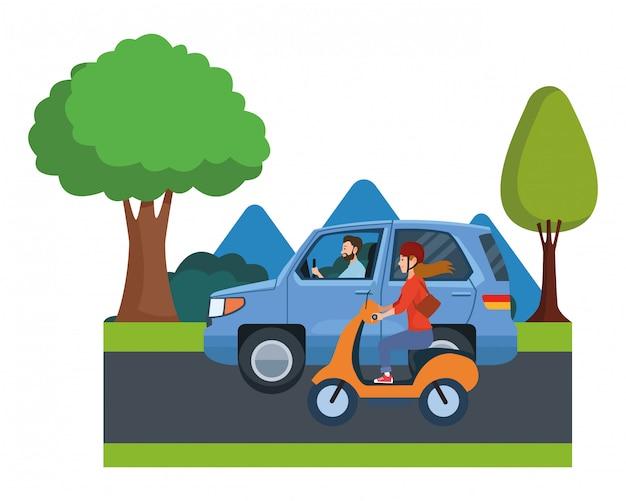 Voertuig en motorfiets met chauffeurs rijden