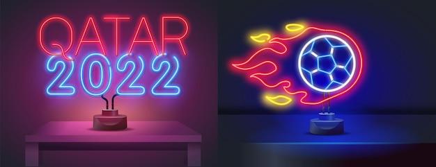 Voetbal pictogrammen instellen voetbal neon teken helder uithangbord licht banner neon geïsoleerd pictogram embleem uniform ...
