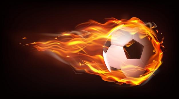 Voetbalbal die in vlammen realistische vector vliegen
