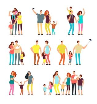 Volwassen ouders koppelen het spelen met geïsoleerde kinderen vector cartoon mensen