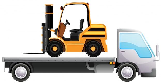 Vorkheftruck op flatbed vrachtwagen op geïsoleerd