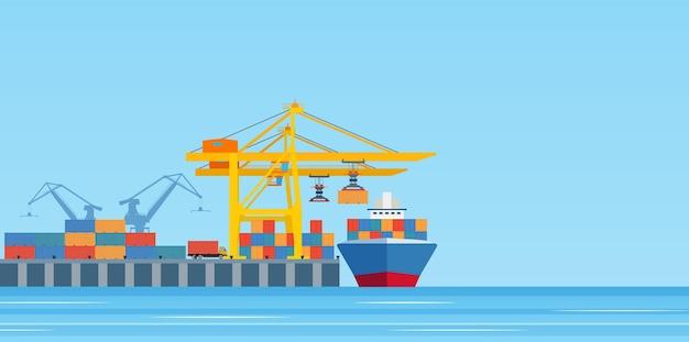 Vrachtschip laden in de haven van de stad.