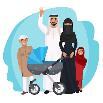 Vriendelijke arabische familie staat samen. echtgenoot in wit gewaad zwaait met de hand, vrouw in zwarte jurk en abaya, kleine kinderen en babykar vectorillustratie