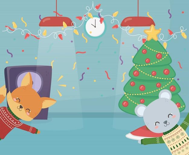 Vrolijk kerstfeest grappige beer en vos met lampen luidspreker confetti