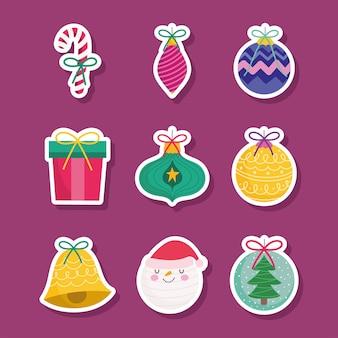 Vrolijk kerstfeest, sticker van santa geschenken ballen bell en candy cane decoratie seizoen pictogrammen