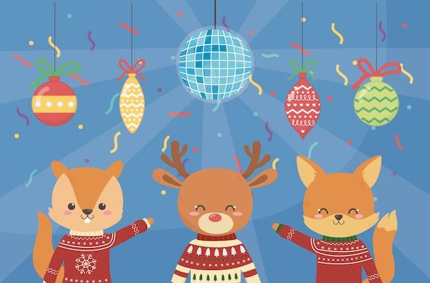 Vrolijk kerstfeest viering schattige eekhoorn rendieren en vos partij ballen confetti lichten
