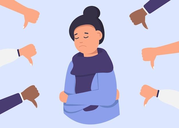 Vrolijke jonge vrouw is omgeven door handen met duimen naar beneden. het concept van publieke afkeuring, niet-erkenning van het publiek, negatieve mening.