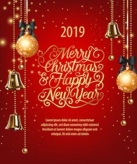 Vrolijke kerstmis, gelukkig nieuwjaar belettering met kerstballen en klokken