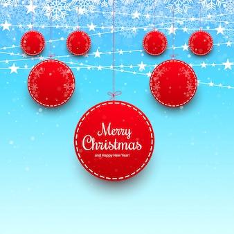 Vrolijke kerstmisbal met kleurrijke kaartachtergrond