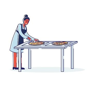 Vrouw chef-kok pizza snijden voor levering. vrouwelijk personage in schort snijden en pizza serveren
