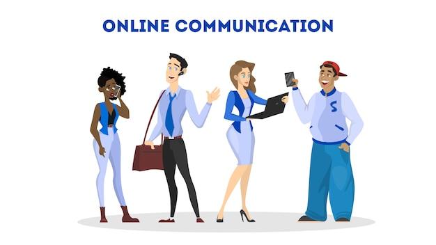 Vrouw communiceren met vriend via sociaal netwerk