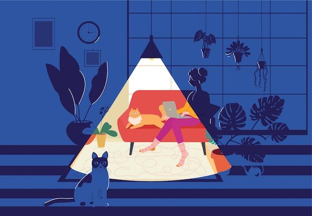 Vrouw die aan zijn bank in een comfortabele huisomgeving werkt. thuiskantoor, werken op afstand, freelance, rustige sfeer met een laptop.